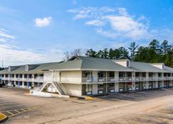Motel 6 Lagrange - La Grange - Building