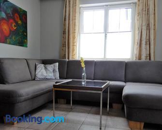 Gästehaus Fischbach - Jois - Living room
