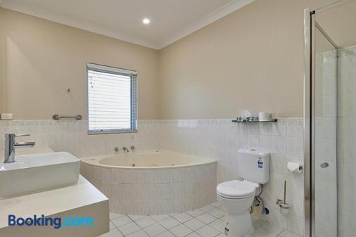 Australian Homestead - Wagga Wagga - Bathroom