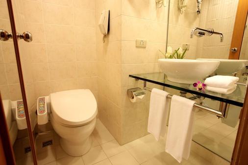 Gloria Prince Hotel Taipei - Taipei - Bathroom