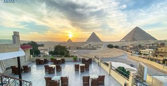 Egypt pyramids inn - Cairo