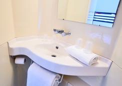 北第戎普瑞米爾經典酒店 - 狄戎 - 第戎 - 浴室