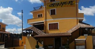 Stranamore - Frascati - Gebäude