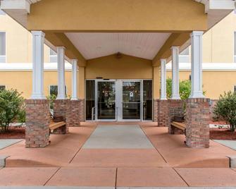 Comfort Suites Scranton near Montage Mountain - Scranton - Building