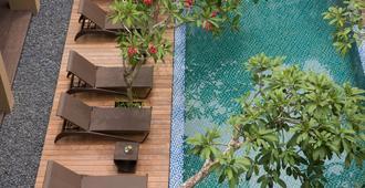 Hotel Santika Kuta Bali - Kuta - Pool