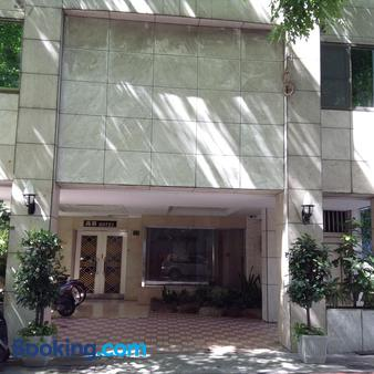 Gaudi Hotel - Kaohsiung - Building