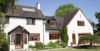 Larkrise Cottage - Stratford-upon-Avon - Building