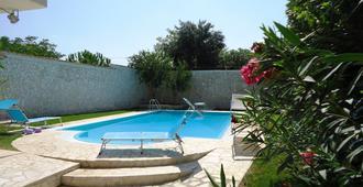 Villa Dafne - Bari - Pool