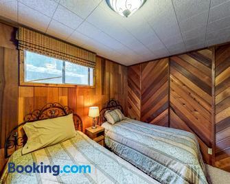 Ponderosa Cabin - Cascade - Bedroom