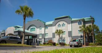 Best Western Plus Blue Angel Inn - Pensacola - Building