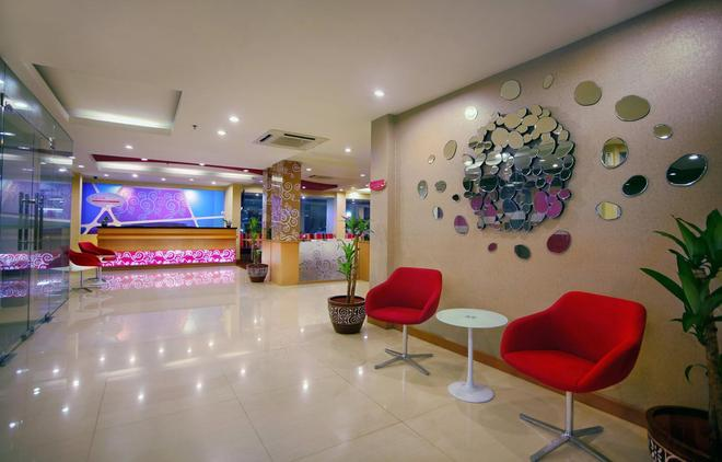 favehotel Kelapa Gading - North Jakarta - Front desk