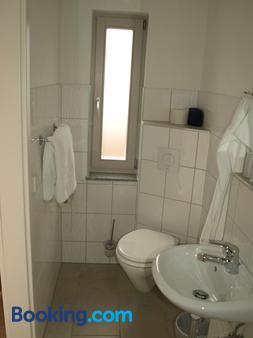 Gästehaus in Der Gotthardtstraße - Erfurt - Bathroom