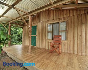 Finca Amistad Cacao Lodge - Bijagua - Living room