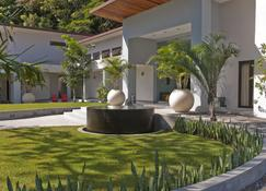 The Haven And Spa - Health And Wellness Accommodation - Adults Only - Boquete - Building