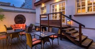 Best Western Plus Hotel Villa D'est - Strasbourg - Patio