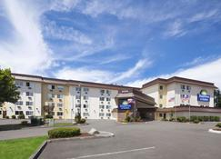 Days Inn by Wyndham Lacey Olympia Area - Lacey - Building