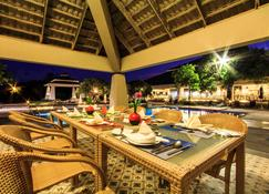 Novotel Chumphon Beach Resort and Golf - Chumphon - Restaurant