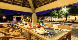 春蓬諾富特高爾夫海灘度假村 - 春蓬 - 春蓬 - 餐廳