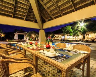 Novotel Chumphon Beach Resort and Golf - Chumphon - Εστιατόριο
