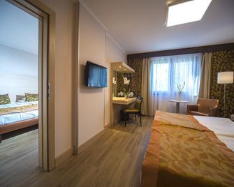 Hotel Sopron - Sopron - Bedroom