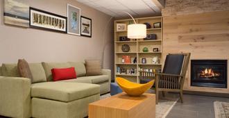 Country Inn & Suites Charlotte University Plc - שרלוט - לובי