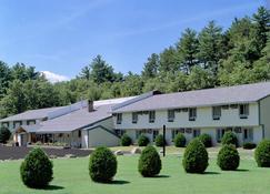 Eastern Inn & Suites - North Conway - Building