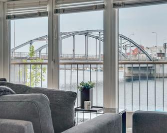 Luxury City Harbour apartment 2 bedroom - Sønderborg - Living room
