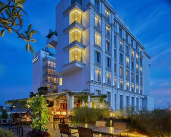 Jambuluwuk Malioboro Hotel Yogyakarta - Джок'якарта - Building