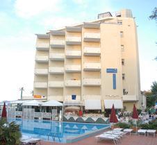 Hotel Perticari