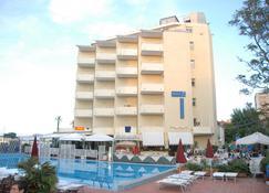 Hotel Perticari - Pesaro - Building