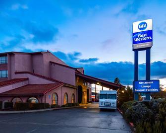 Best Western El Grande Inn - Clearlake - Building