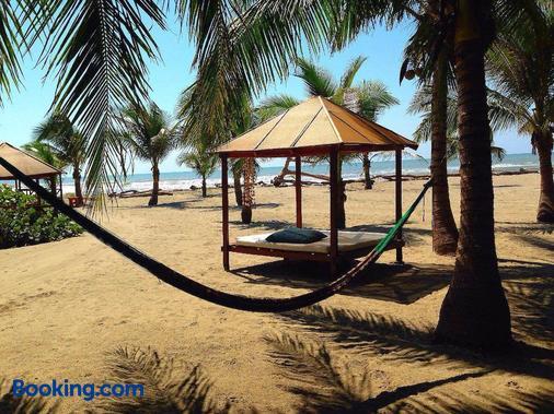 Bambuddha - Acapulco - Playa