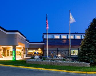 Holiday Inn Detroit Lakes - Detroit Lakes - Gebäude