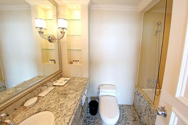 The Riverside Hotel - Seoul - Bathroom