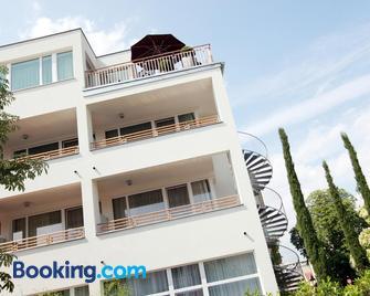 Hotel Babenbergerhof - Mödling - Building