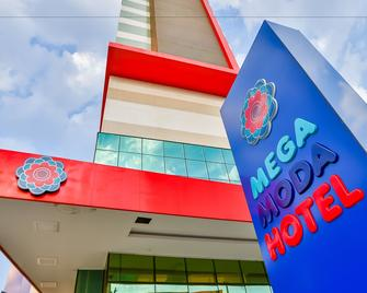 Mega Moda Hotel - Goiânia - Gebäude