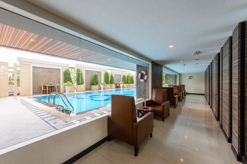 Mida Hotel Don Mueang Airport Bangkok - Bangkok - Baari