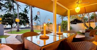 Lilin Lovina Beach Hotel - Buleleng