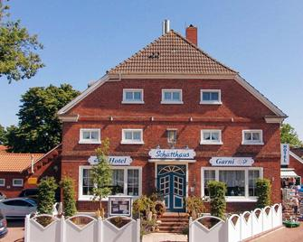 Hotel Schatthaus - Greetsiel - Будівля