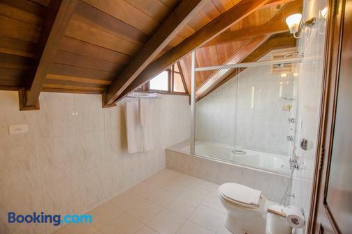 San Juan Johnscher - Curitiba - Bathroom