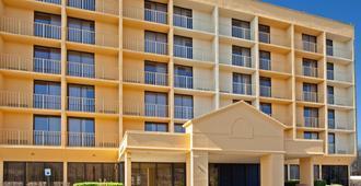 La Quinta Inn & Suites by Wyndham Nashville Airport/Opryland - Nashville - Gebäude
