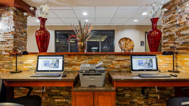 貝斯特韋斯特普拉斯溫哥華商城博士套房酒店 - 溫哥華 - 溫哥華 - 商務中心