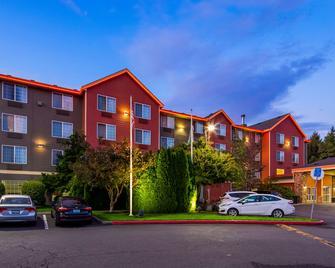 Best Western Plus Vancouver Mall Dr. Hotel & Suites - Ванкувер - Building
