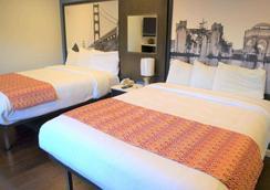 Super 8 by Wyndham San Francisco/Near the Marina - San Francisco - Bedroom