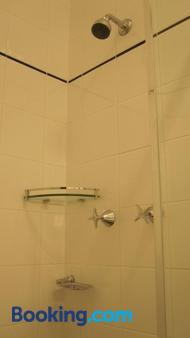 Katoomba Hotel - Katoomba - Bathroom