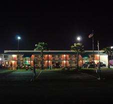 Nola Inn And Suites