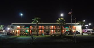 Nola Inn And Suites - New Orleans - Rakennus