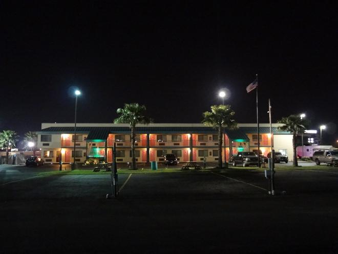 Nola Inn And Suites - New Orleans - Rakennus