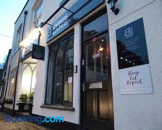 Sleep, Eat, Repeat Bed and Breakfast - Macclesfield - Building