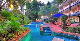 Gazebo Resort Pattaya - Pattaya - Pool